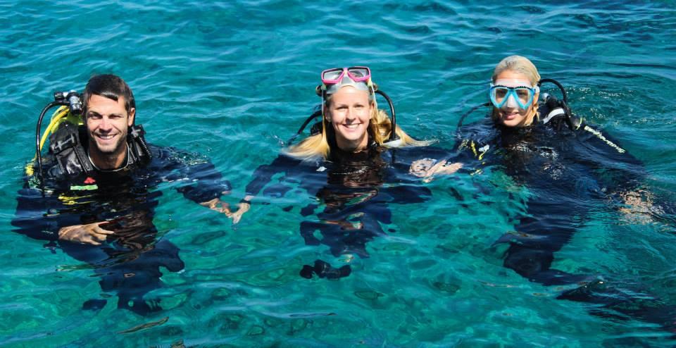 Diving on Paros shipwreck