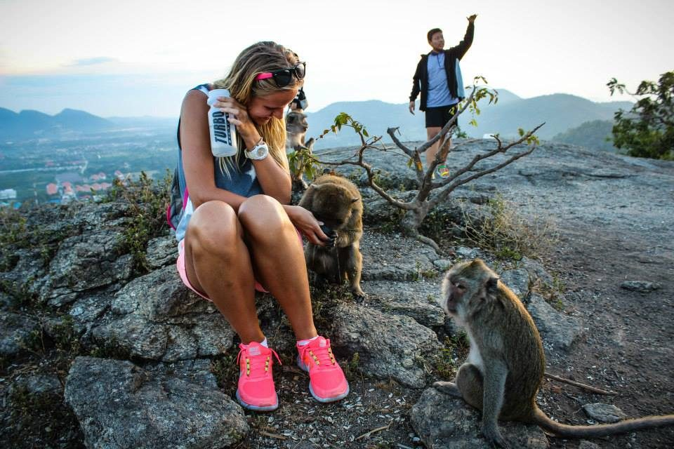 Monkey mountain Khao Hin lek fai