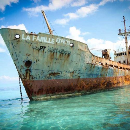 la famille express turks and caicos shipwreck